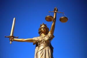Read more about the article Notre association attaque le Ministère de l'Education en justice